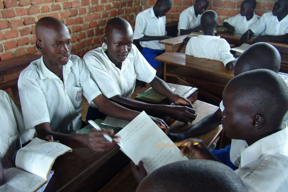 1920px-uganda_students